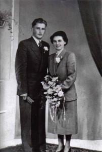 Weegen, Anna M. van der 10.02.1931 & G. van Meel (trouwfoto)