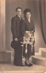 Weegen, Marinus van der & Dingena Mangelaars (trouwfoto 1948)